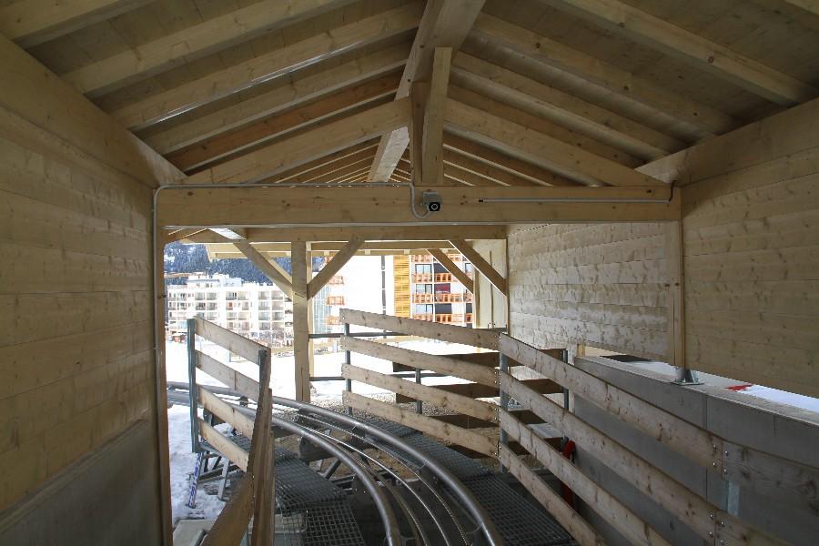 Habillage des gares de télésièges   Savoie Travaux Habitat (S.T.H)